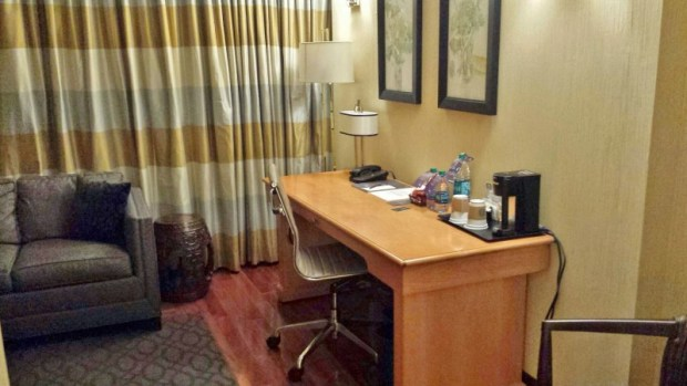 Sheraton Laguardia East Hotel executive suite desk