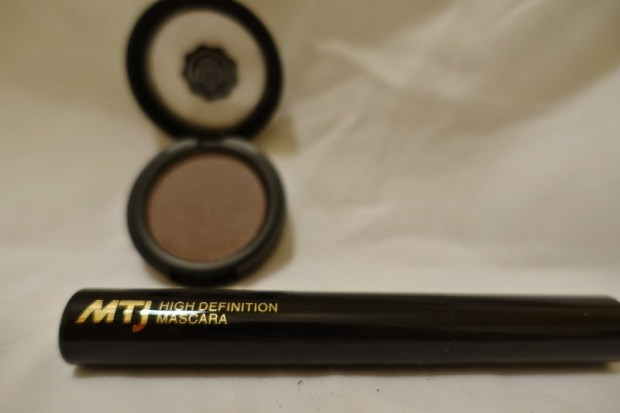Glossybox December 2015 Review MTJ mascara