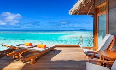Sheraton Maldives Club-Water-Bungalow