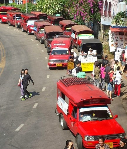chiang mai red truck