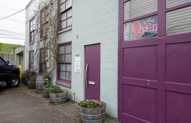 Portland Urban Wineries Hip Chicks Do Wine entrance