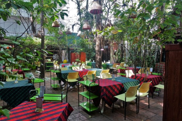 Cabbage and Condoms Bangkok Restaurant Review outdoor seating
