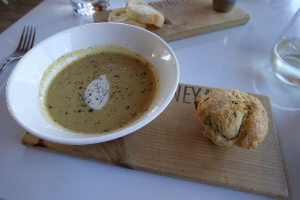 ravine-vineyard-restaurant-menu-soup-with-chive-muffin