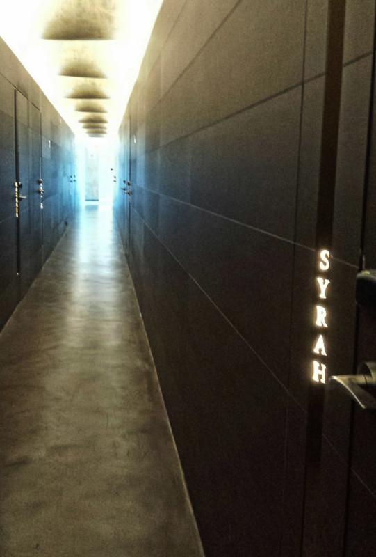 hotel-mastinell-vilafranca-del-penedes-hallway