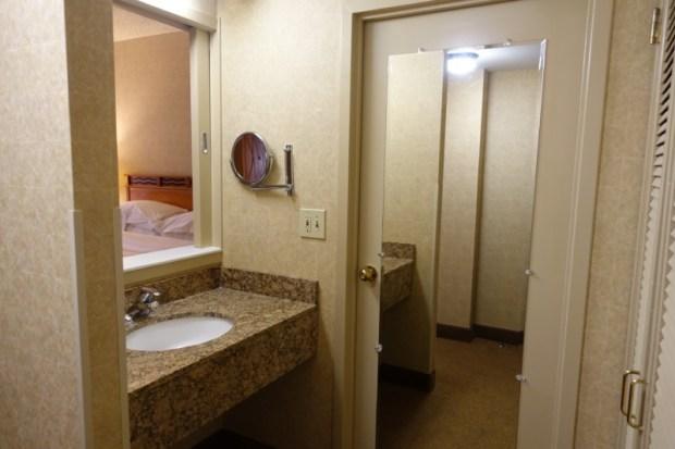 Sheraton Atlanta Airport Club Room extra sink