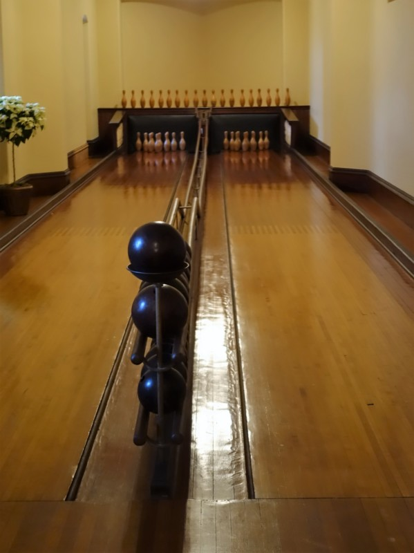 The Bilmtore House even has its own bowling alley