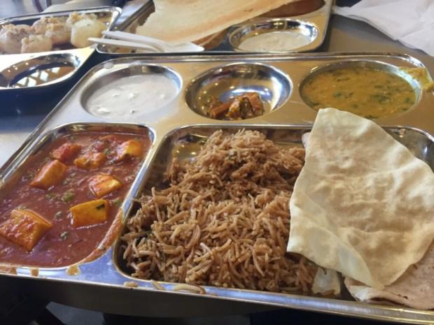 Vik's Chaat Berkeley Indian Food Mattar Paneer