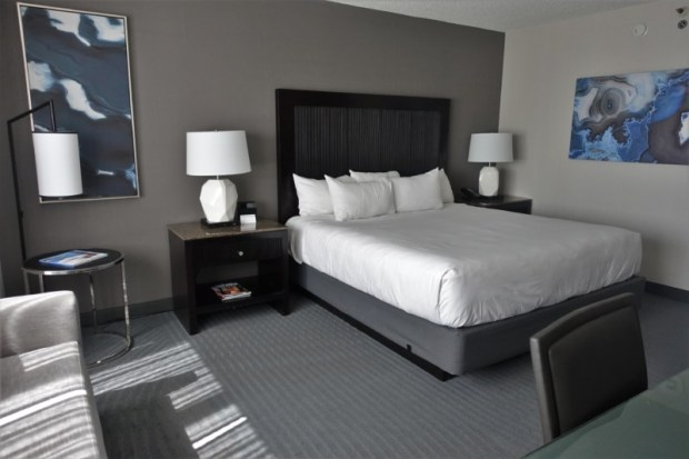 hyatt regency san francisco airport renovated king club room