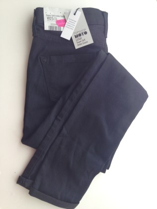 6) Topshop Black Leigh Jeans £15.00