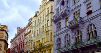 Pastel houses, Prague