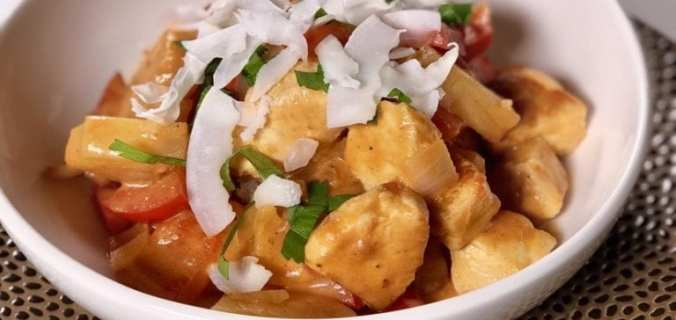 Snelle paprika curry met ananas en kip