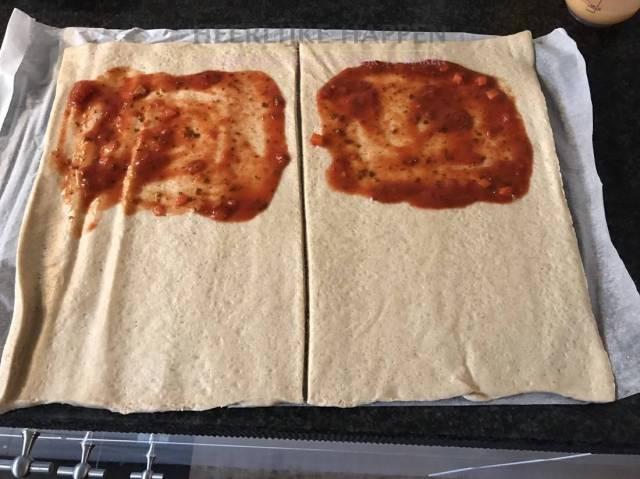 Italiaanse calzone met Spaanse worst