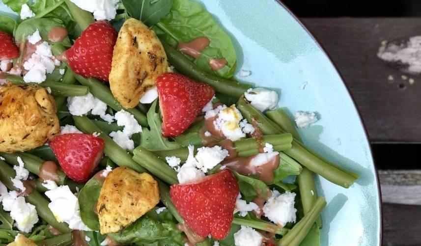 Salade met aardbei en feta