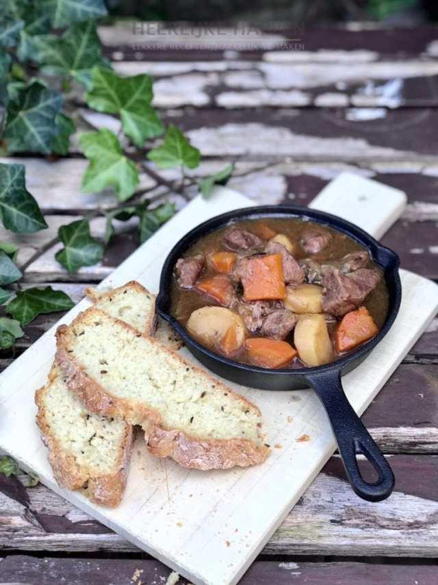 Irish stew met soda bread