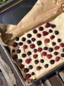 Ricotta plaatcake met vruchtjes