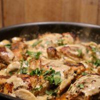Kippendij in champignon roomsaus