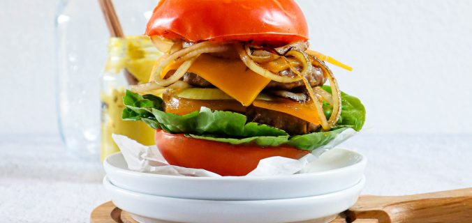 Low carb dubbele cheeseburger