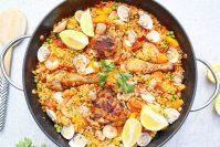 Zeevruchten paella met kippendij
