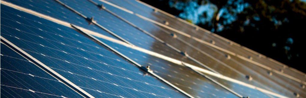Commissie Leefomgeving duurzaamheid en energietransitie Gemeente Den Haag oa met Johan Apeldoorn Moerwijk Coöperatie Duurzaam Den Haag Energierijk Moerwijk wethouder Van Tongeren