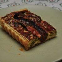 Grünspargel-Tarte mit Merguez und Ricotta