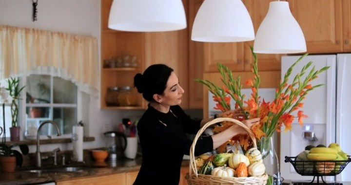 Heghineh Cooking Channel
