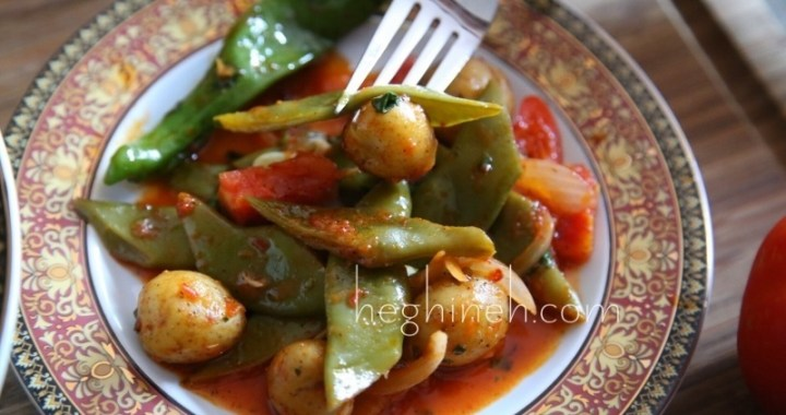 Green Beans and Potatoes in Tomato Sauce