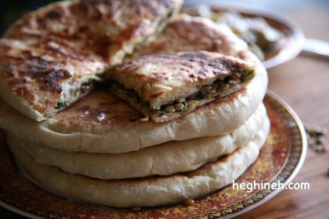 Lentil Stuffed Bread - Lentil Pie Recipe