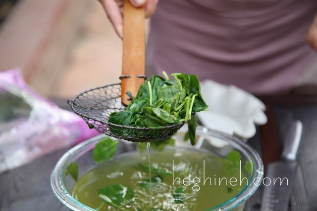 Warm Spinach Salad Recipe - Armenian Cuisine