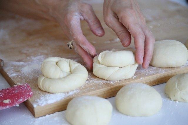 Sweet Pastry Bread Terterook - Armenian Cuisine
