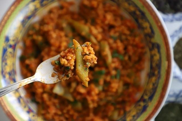 Green Beans Bulgur Stew - Lobov Korkot Apoor - Heghineh.com