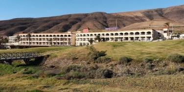 Übrigens gibt es ein Hotel auf dem Golfplatz