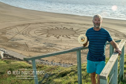 Simon Beck sand artist draws the Ring of Anhur