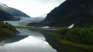 Mendenhall_Glacier_Landscape_Outside_Juneau_Alaska