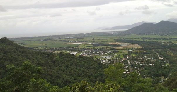View_of_Coral_Sea_from_Kuranda_Railway_Queensland_Australia