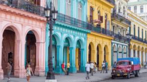 Colorful_Havana_Street_Capitol