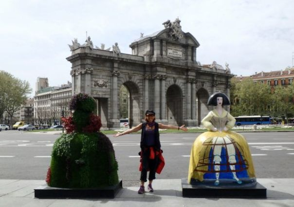 Heidi_Siefkas_and_Las_Meninas_Street_art_Madrid_Spain