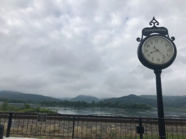 Trempealeau_Clock_and_Cloudy_RIver_photo_by_Heidi_Siefkas