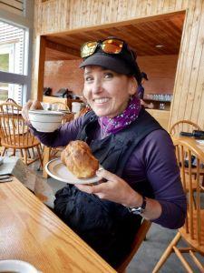 Heidi_Siefkas_with_popovers_at_Jordan_Pond_House_Acadia_National_Park