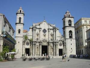 Catedral_plaza_old_havana_Cuba