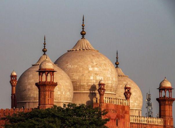 badshahi-mosque-lahore-pakistan