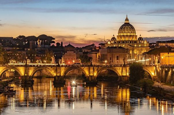architecture-vatican-rome-at-night