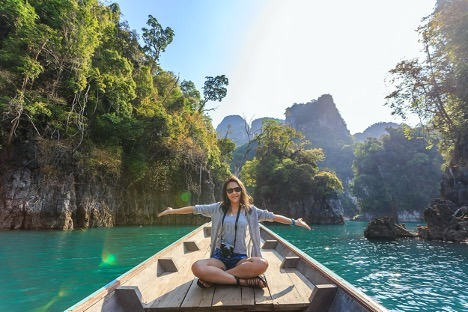 Tips For Traveling Alone & Loving It