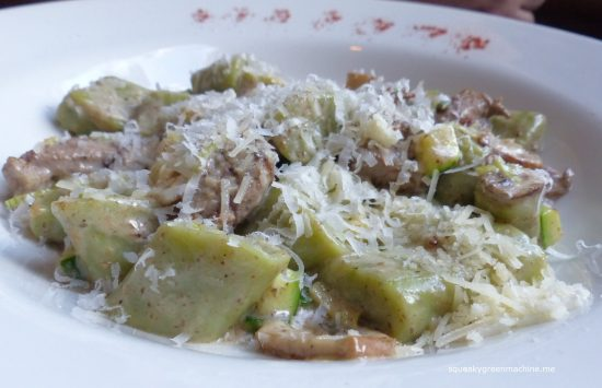 house made herb & ricotta gnocchi with peppered beef tenderloin, crimini mushrooms, leeks & truffle cream