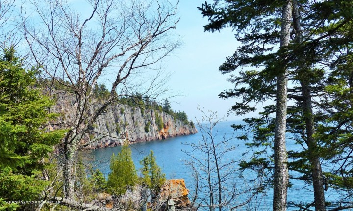 hiking club hike at tettegouche state park along lake superior