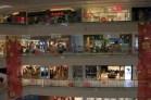Wären nicht da und dort noch ein paar dieser unverständlichen Schriftzeichen, könnte dieses Shopping Center gut auch in Deutschland stehen.
