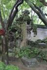 Gleich neben dem Löschwasserteich steht dieser Elefantenstein.