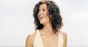 Know all facts about Brooke Langton