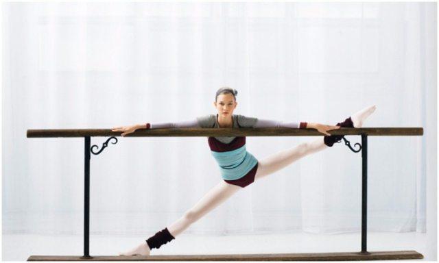 Karlie Kloss height 3