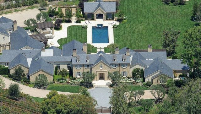 Kim-and-Kanye-Hidden-Hill-Estate-1024x580