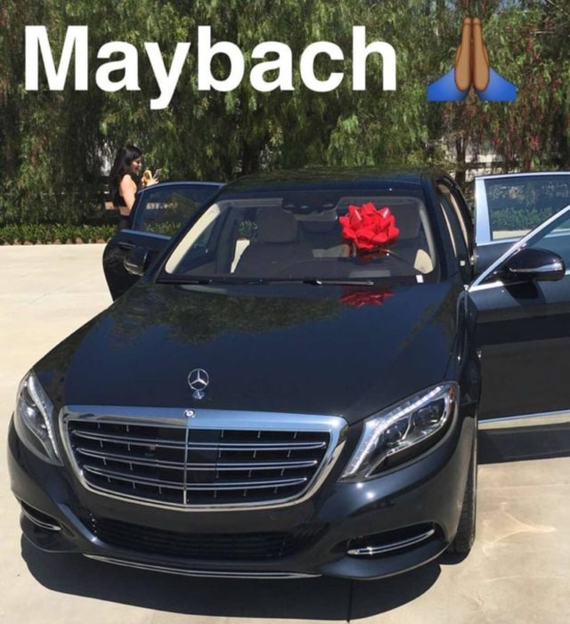 Kylie-Jenners-Mercedes-Maybach